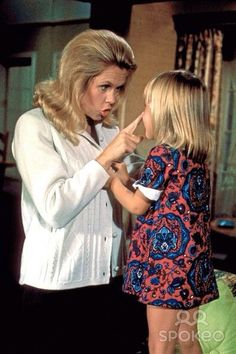 Elizabeth as Samantha and Erin Murphy as Tabitha. Erin always said miss Montgomery treated her as if she was her own daughter!