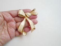 vintage big bow enamel brooch by june22 on Etsy