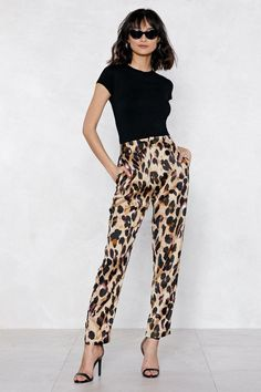 15 Outfits That Will Actually Make Your Basic Black Turtleneck Look Cool Leopard Pants Outfit, Leopard Print Outfits, Leopard Blazer, Leopard Print Pants, Animal Print Outfits, Leopard Fashion, Animal Print Fashion, Cheetah, Printed Pants Outfits
