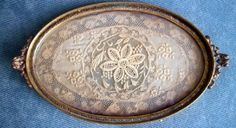 victorian vanity trays | ... Silver Co Oval Victorian Perfume Vanity Tray Etched Ecru Lace Doily