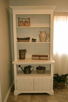 Farmhouse white bookshelves By Analia Pastori Interior design White Bookshelves, Small Bookshelf, Bookcase, Sweet Home, Farmhouse, Interior Design, Home Decor, Nest Design, Decoration Home