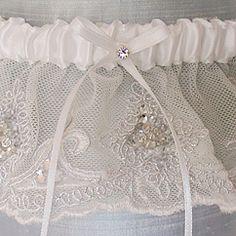 Largest selection of hand sewn wedding garters, heirloom garters, silk garters, lace garters, toss garters, garter sets, couture garters fabulous gifts & keepsakes at Perfect Details.