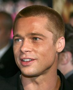 Brad Pitt has often been known for his good guy with a stubble charm, the perfect candidate for a rugged man next door. Here are the 9 Pictures of Brad Pitt without Makeup. Summer Haircuts, Best Short Haircuts, Popular Haircuts, Cool Haircuts, Haircuts For Men, Layered Haircuts, Latest Hairstyles, Hairstyles Haircuts, Brad Pitt Haarschnitt