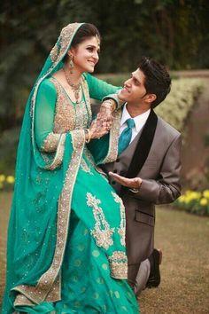 Punjabi bride and groom fashion idea for Indian Sikh wedding Indian Wedding Couple Photography, Wedding Couple Photos, Wedding Photography Poses, Wedding Couples, Asian Wedding Dress, Pakistani Wedding Dresses, Desi Wedding, Pre Wedding Photoshoot, Indian Bridal