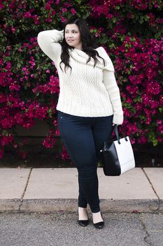 Plus Size Fashion - ootd crystal coons plus size model - what to wear casual jeans and sweater