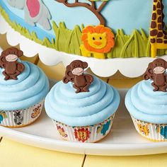 Have fun both making and eating these Monkey Business cupcakes. Using the Wilton Jungle Animals Fondant and Gum Paste Mold and Decorator Preferred Chocolate Fondant, you can whip up these cute monkey fondant toppers with perfect results.