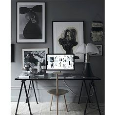 A creative workspace is a base for a creative and effective day. Inspo by Swedish Interior Stylist @lottaagaton. Happy Monday!