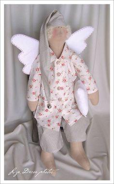 Ткани и шерсть для игрушек,кукол Тильд и др. Homemade Dolls, Doll Maker, Diy Doll, Handmade Toys, Pixies, Baby Toys, Diy And Crafts, Christmas Crafts, Dinosaur Stuffed Animal