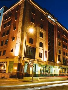 Jurys Inn Manchester City Centre is centrally located in Manchester, steps from Bridgewater Hall and minutes from Deansgate Locks. This family-friendly hotel is close to University of Manchester and Old Trafford. http://www.lowestroomrates.com/Manchester-Hotels/Jurys-Inn-Manchester-City-Centre.html?m=p #JurysInn #Manchester