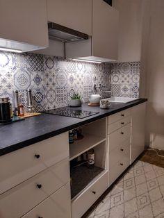 Konyha felújítás saját kezűleg - Blogozine Double Vanity, Interior Decorating, Kitchen Cabinets, House Design, Decoration, Blog, Diy, Home Decor, Kitchen Models