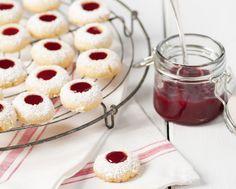 In Sachen Weihnachtsplätzchen mit Marmelade gibt es verschiedene Sorten. Einer unserer Lieblinge: Engelsaugen.