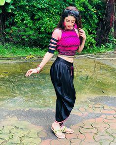 Patiala Suit Designs, Lace Bridal Robe, Desi Wedding Dresses, Formal Dresses, Punjabi Models, Beautiful Girl Body, Beautiful Bollywood Actress, Beautiful Actresses, Beauty Full Girl
