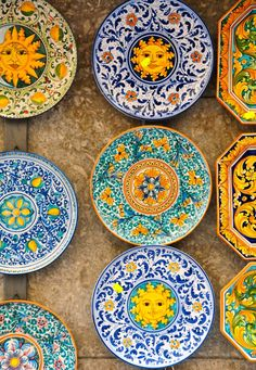 Plates of Sicily Painted Ceramic Plates, Ceramic Spoons, Hand Painted Ceramics, Ceramic Painting, Ceramic Art, Blue Pottery, Ceramic Pottery, Pottery Painting Designs, Islamic Art Pattern
