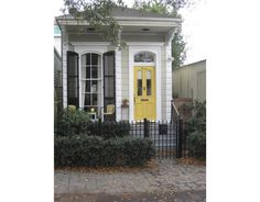This looks like a cozy little home sweet home!  New Orleans, LA