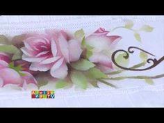 Pintura em tecido com uso de stêncil por Ana Laura                                                                                                                                                                                 Mais