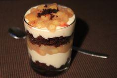 ... und ein unfassbar gut aussehendes Bratapfel-Schicht-Dessert, begleitet von Bratapfelwein.