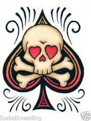 """Képtalálat a következőre: """"ace of spades tattoo"""" Trendy Tattoos, Small Tattoos, Tattoos For Guys, Cool Tattoos, Awesome Tattoos, Ace Of Spades Tattoo, Spade Tattoo, Dead Bride, Bike Stickers"""
