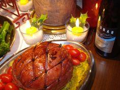 Tender assado com Calda de Laranja guarnecido com Farofa de Cenoura e Tomate Cereja