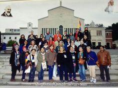 La alegría es evidente de nuestros peregrinos en San Giovanni Rotondo Italia. En abril y mayo estamos organizando 2 grupos que visitaran acompañados de un sacerdote. Inscríbete al 04 2304488 peregrinaciones@galasam.com.ec