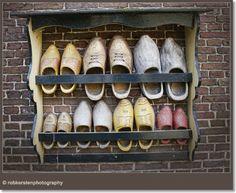 klompenrek Dutch Wooden Shoes, Wooden Clogs, Holland Netherlands, New Holland, Going Dutch, Restaurant Signs, Farm Shop, Family Roots, Scandinavian Interior Design