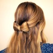 Half Up Hair Bow Tutorial Looks sweet, but not sure how it's done. Like the fact that some hair on sides is left out of bow. Cool Hairstyles For Girls, Pretty Hairstyles, Cute Hairstyles, School Hairstyles, Wedding Hairstyles, Romantic Hairstyles, Hairstyle Ideas, Korean Hairstyles, Homecoming Hairstyles