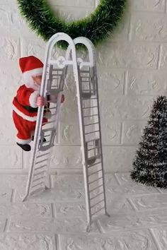 Howardee 1 Pcs Electric Climbing Ladder Santa Claus Christmas Figurine Ornament Decoration Gifts - New Ideas Funny Christmas Decorations, Christmas Trees For Kids, Santa Decorations, Outside Decorations, Christmas Pictures, Christmas Tree Ornaments, Christmas Crafts, Decoration Party, Diy Cadeau Noel