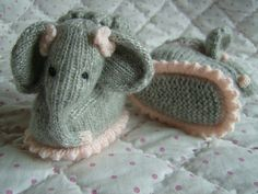 Ravelry: Baby Elephant Bootee Slipper Pets by Abigail Originals Knit Baby Shoes, Knit Baby Booties, Knitting For Kids, Knitting Socks, Knitting Ideas, Knitting Needles, Baby Slippers, Crochet Slippers, Loom Knitting Patterns