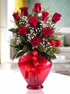 Çiçekler, yıllardır insanların iyi gününde, kötü gününde her zaman yanında olmuştur.  Doğum günlerinden, yol dönümlerine, geçmiş olsun dilekleri için her zaman aracı olarak çiçekler tercih edilmiştir.  Biz de Akçaabat Çiçekçilik olarak yıllardır Çiçekler gibi siz müşterilerimizin yanınızdayız.