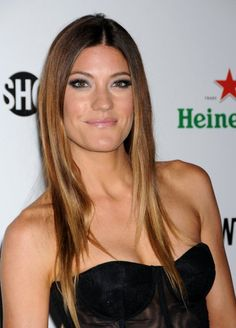 Picture of Jennifer Carpenter Pretty Hairstyles, Straight Hairstyles, Jennifer Carpenter, Too Faced Highlighter, Baylage, Beautiful People, Beautiful Women, Famous Faces, Woman Crush