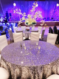 LQIAO Silver Round Sequin Tablecloth for Wedding Party Cake Dessert Table Exhibition Events Decoration Table Cloth Wedding Reception, Our Wedding, Dream Wedding, Frozen Wedding, Wedding Tables, Wedding Bells, Wedding Stuff, Sequin Tablecloth, Tablecloth Ideas