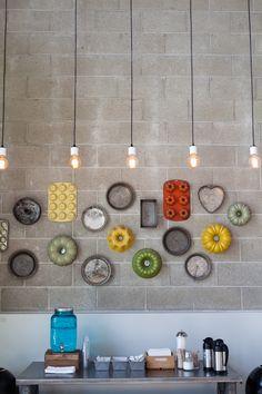 keuken decor inspiratie :: #Libelle :: Bundt pans & baking pans at Bittersweet Treats | Pasadena photo by @J O Pio