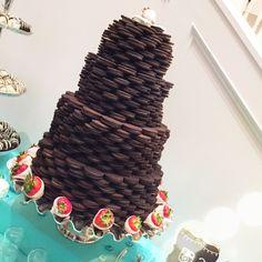 wedding01 Oreo Wedding Cake, Wedding Cakes, Crochet Necklace, Birthdays, Desserts, Wedding Gown Cakes, Crochet Collar, Wedding Pie Table, Deserts