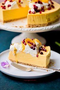 No bake mango cheesecake Sweet Desserts, No Bake Desserts, Sweet Recipes, Delicious Desserts, Snack Recipes, Dessert Recipes, Yummy Food, Polish Desserts, Polish Recipes