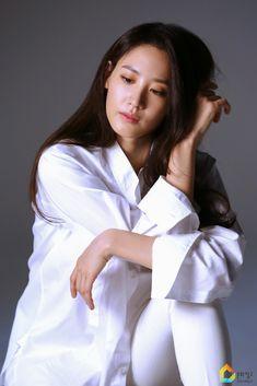 Claudia Kim, Rachel Weisz, Korean Actresses, In Hollywood, Actors, Asian Girl, Crushes, Kpop, Yukata