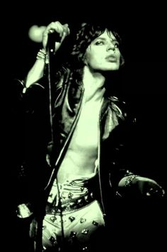 Damn! Sexy Mick Jagger is workin' it!