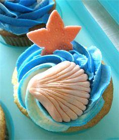Beach and seashell cupcake