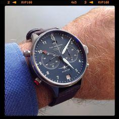 Vlieger Watchie (Watching Wristshot) powered by Van Der Gang.