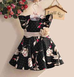 Dress Anak Zoe Motif Bunga Warna Hitam Usia 4-5tahun - https://keikidscorner.com/baju-anak-perempuan/baju-dress/dress-anak-zoe-motif-bunga-warna-hitam-usia-4-5tahun.html