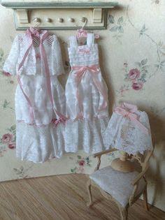 Pilar Calle Dollhouses Miniaturas: Camisones.Nightdressers