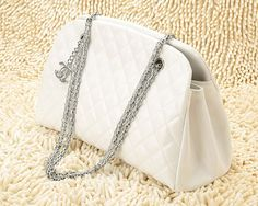 Love this chanel purse.