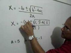 Solución de una ecuación cuadrática: Julio Rios explica la solución de una ecuación cuadrática utilizando la Fórmula Cuadrática.