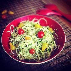 #zucchinipasta #tomato #spices www.facebook.com/theveganblog