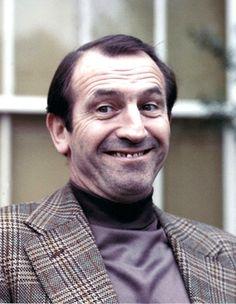 Leonard Rossiter of Rising Damp British Comedy, British Actors, Leonard Rossiter, Rising Damp, British Celebrities, Comedy Tv, Interesting Faces, Comedians, Childhood Memories