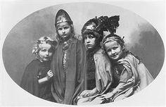 Munich and Co: Les petits-enfants de Richard Wagner dans les cost...