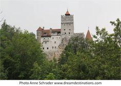 Bran Castle Romania Bran Castle Romania, Dracula Castle, Visit Romania, Knights, Castles, Europe, Mansions, House Styles, Chateaus