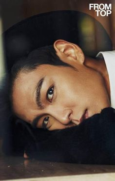 Oh Seung Hyun, can I have your fabulous eyebrows?!? Srsly so sad that a guy has better brows than me!