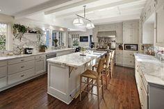 Miranda Kerr új otthona – 3,2 milliárd forintért vett új pasijával házat a modell!