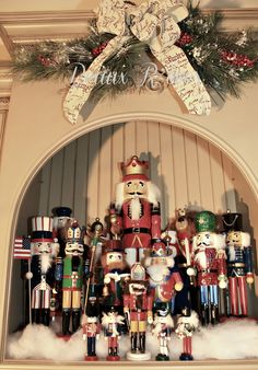 Beaux R'eves: Displaying Collections~Nutcrackers