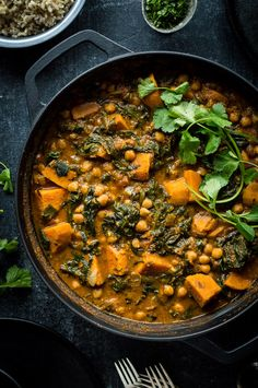 Chickpea, sweet potato and spinach curry - this healthy vegan curry is quick and easy to make, tastes delicious and makes for a very hearty meat-free meal. Spinach Indian Recipes, Veg Recipes, Curry Recipes, Indian Food Recipes, Vegetarian Recipes, Healthy Recipes, Turkish Recipes, Simple Recipes, Healthy Eats