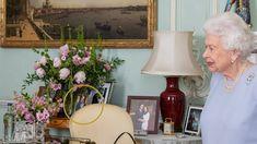 Queen Elizabeth Prinz Charles, Prinz William, Buckingham Palace, Prinz Harry, Queen Elizabeth, Mirror, Home Decor, Princess Anne, Crown Princess Victoria